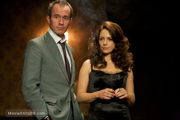 44 Inch Chest - Publicity still of Stephen Dillane & Joanne Whalley