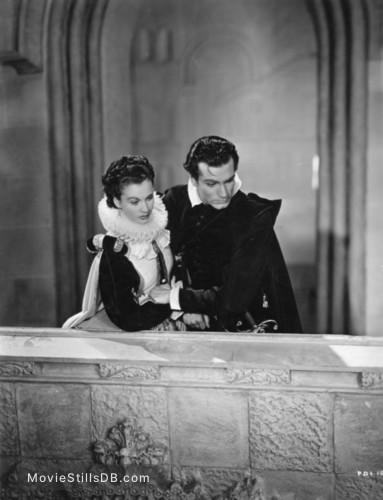 Fire Over England - Publicity still of Laurence Olivier & Vivien Leigh