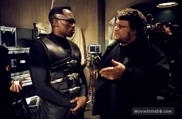Blade 2 - Behind the scenes photo of Wesley Snipes & Guillermo del Toro
