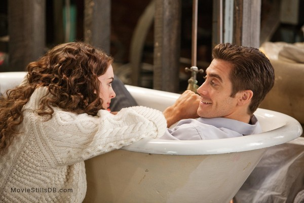 Love and Other Drugs - Publicity still of Anne Hathaway & Jake Gyllenhaal