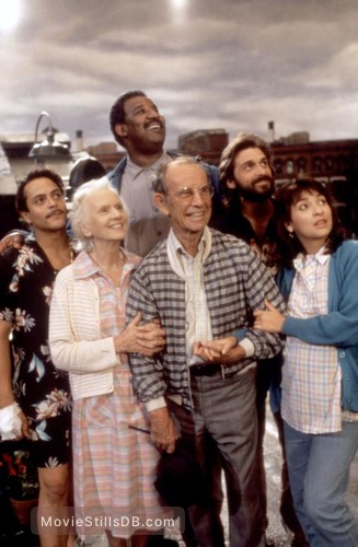 *batteries not included - Promo shot of Michael Carmine, Jessica Tandy, Frank McRae, Hume Cronyn, Dennis Boutsikaris & Elizabeth Peña
