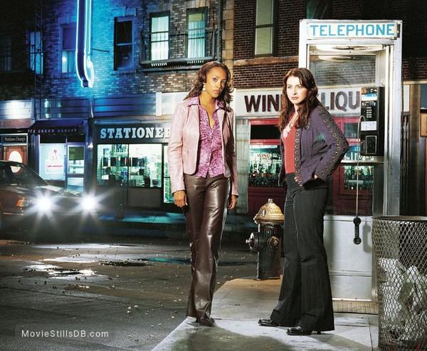 1-800-Missing - Promo shot of Vivica A. Fox & Caterina Scorsone