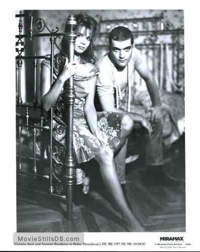 ¡Átame! - Promo shot of Antonio Banderas & Victoria Abril