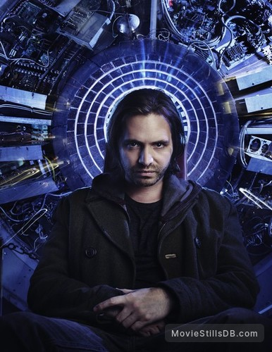 12 Monkeys - Promo shot of Aaron Stanford