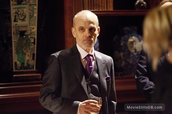 12 Monkeys - Publicity still of Zeljko Ivanek