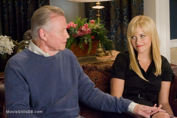 Four Christmases - Publicity still of Reese Witherspoon & Jon Voight