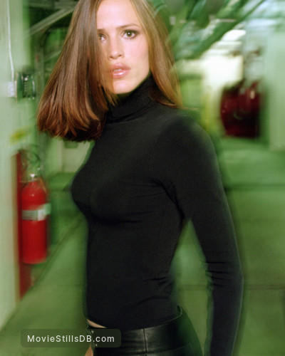 Alias - Promo shot of Jennifer Garner