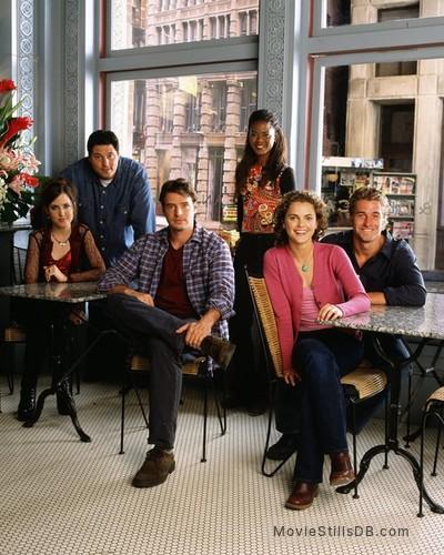 Felicity - Promo shot of Keri Russell, Scott Speedman, Scott Foley, Amanda Foreman, Tangi Miller & Greg Grunberg