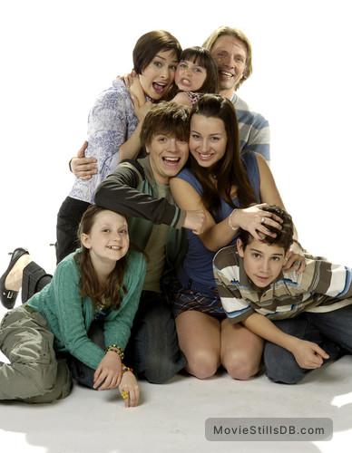 Life with Derek - Season 2 promo shot of Ashley Leggat ...