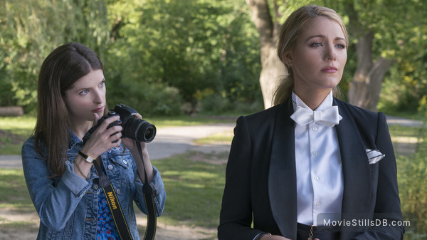 A Simple Favor - Publicity still of Blake Lively & Anna Kendrick