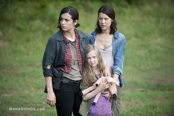The Walking Dead - Publicity still of Alanna Masterson, Meyrick Murphy & Audrey Marie Anderson