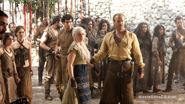 Game of Thrones - Publicity still of Emilia Clarke, Iain Glen, Elyes Gabel, Roxanne McKee & Amrita Acharia
