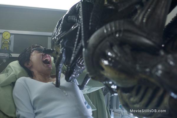 AVPR: Aliens vs Predator - Requiem - Publicity still of Victoria Bidewell