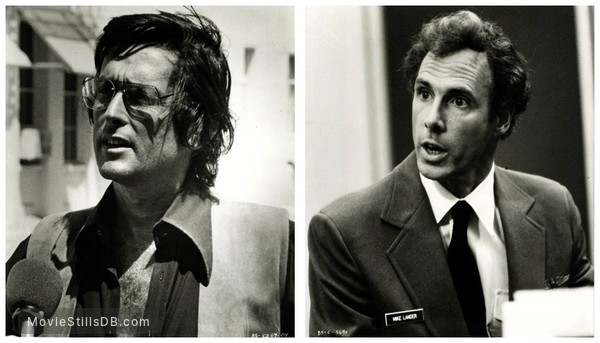 Black Sunday - Publicity still of Robert Evans & Bruce Dern