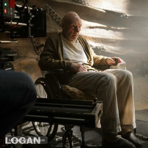 Logan - Behind the scenes photo of Patrick Stewart
