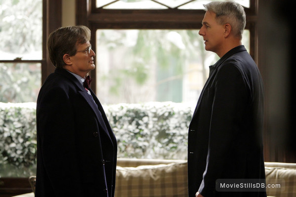 Navy NCIS: Naval Criminal Investigative Service - Publicity still of David McCallum & Mark Harmon