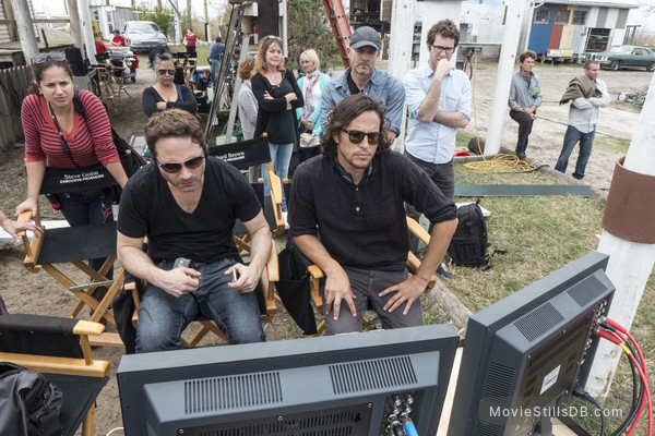 True Detective - Behind the scenes photo of Nic Pizzolatto & Cary Fukunaga