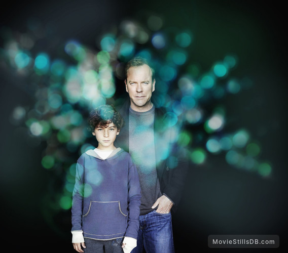 Touch - Promo shot of Kiefer Sutherland & David Mazouz