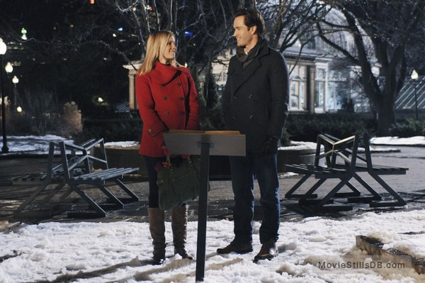 12 dates of christmas publicity still of amy smart mark paul gosselaar - 12 Dates Of Christmas Movie