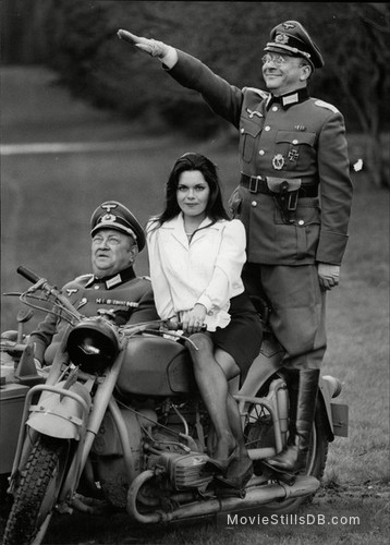 'Allo 'Allo! - Promo shot of Sam Kelly, Francesca Gonshaw & Richard Marner