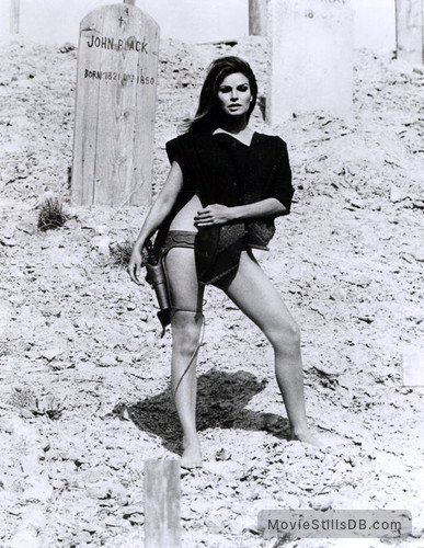 Hannie Caulder - Publicity still of Raquel Welch