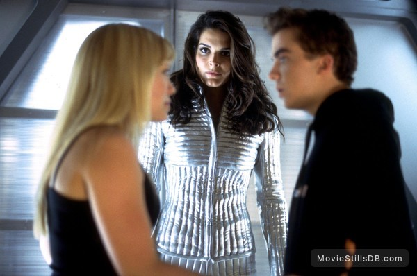 Agent Cody Banks - Publicity still of Hilary Duff, Frankie Muniz & Angie Harmon