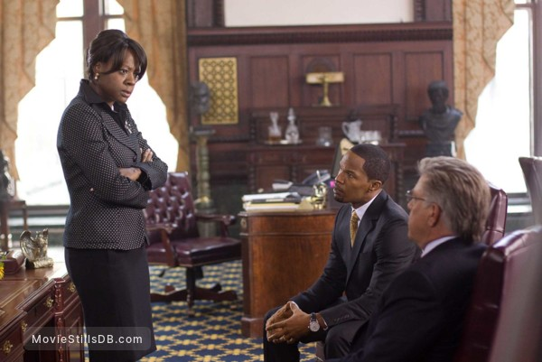 Law Abiding Citizen - Publicity still of Jamie Foxx, Bruce McGill & Viola Davis