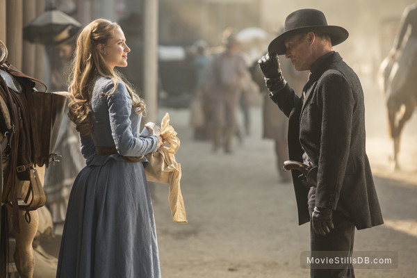 Westworld - Publicity still of Evan Rachel Wood & Ed Harris