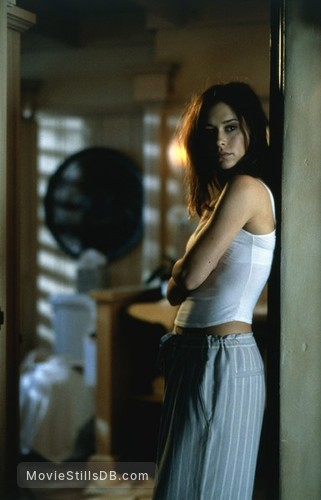 I Still Know What You Did Last Summer - Behind the scenes photo of Jennifer Love Hewitt