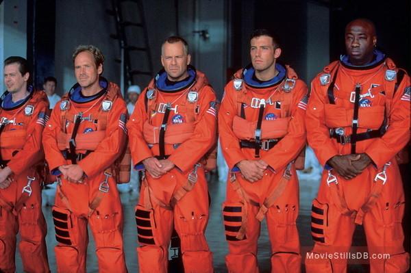Armageddon - Publicity still of Steve Buscemi, Bruce Willis, Ben Affleck, Michael Clarke Duncan & Will Patton