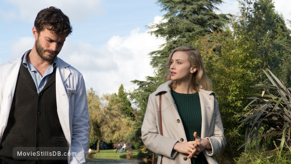 The 9th Life of Louis Drax - Publicity still of Sarah Gadon & Jamie Dornan