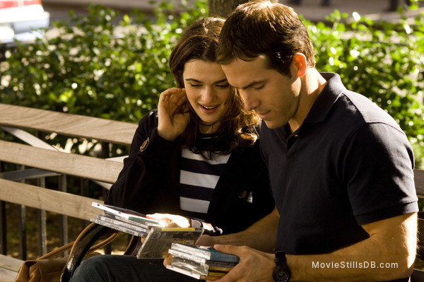 Definitely, Maybe - Publicity still of Rachel Weisz & Ryan Reynolds