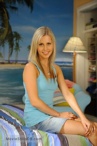 H2o just add water season 2 promo shot of claire holt for H2o just add water season 2