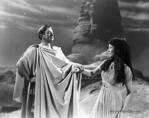 Caesar and Cleopatra - Publicity still of Vivien Leigh & Claude Rains
