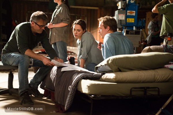 Transcendence - Behind the scenes photo of Paul Bettany, Rebecca Hall & Wally Pfister
