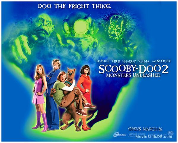 Scooby Doo 2: Monsters Unleashed - Wallpaper with Matthew Lillard, Sarah Michelle Gellar, Linda Cardellini & Freddie Prinze Jr.