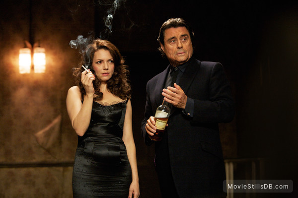44 Inch Chest - Publicity still of Ian McShane & Joanne Whalley